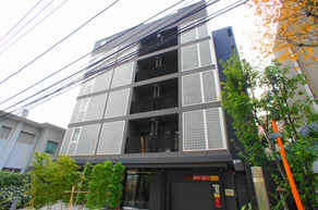 Exterior of Apartments Motoazabu Uchidazaka