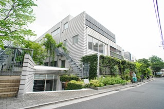 Exterior of Chelsea Garden in Hiroo