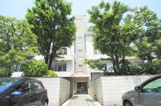 Exterior Homat Keyaki House in Yoyogi