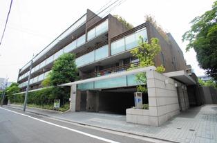 Exterior of La Tour Ichigaya Sadohara
