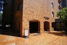 Oji Palace Aoyama Entrance