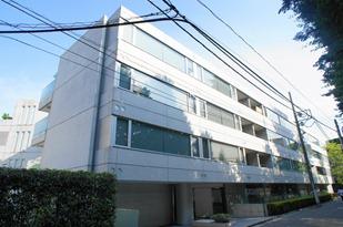 Exterior of Qesut Court Harajuku