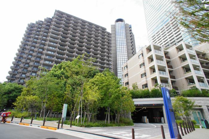 Roppongi Hills Residence Exterior