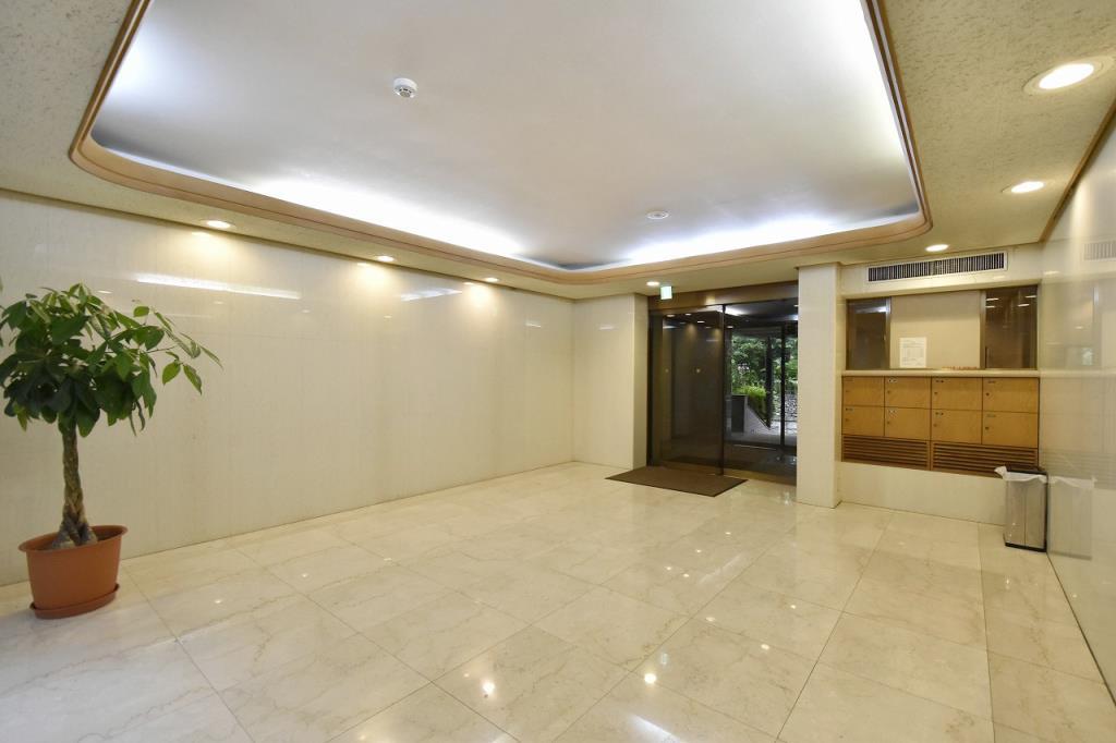 Luclass Yoyogikoen Luxury Apartment For Rent In Shibuya
