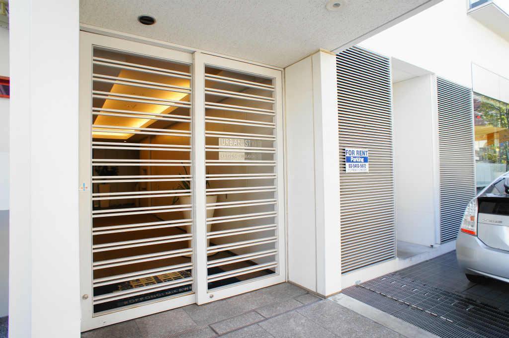 Urban Style Roppongi Mikawadai Luxury Apartment For Rent In Minato