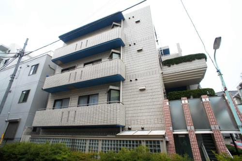 Exterior of Yoyogi Koen Plaza