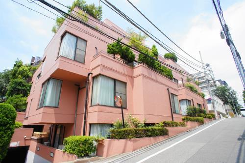 Exterior of Odakyu Meguro-mita mansion