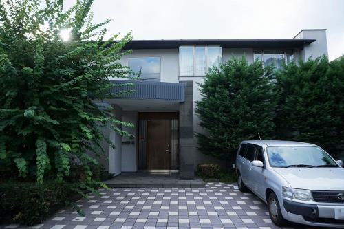 Exterior of Yoyogi Duplelx