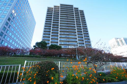 Exterior of Sumida Riverside Tower