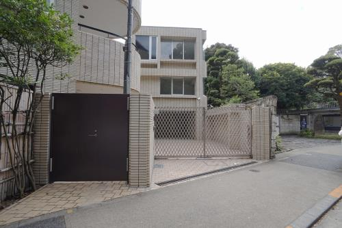 Exterior of Nanbuzaka Compound C