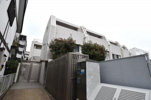 Exterior of オープンレジデンス中目黒諏訪山