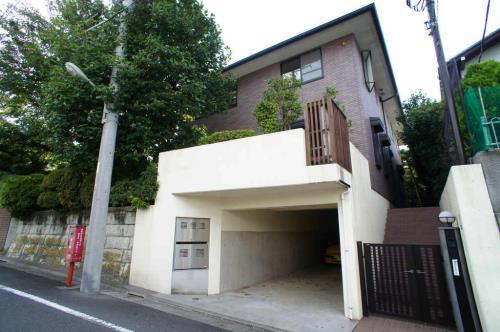 Exterior of Tamagawa-denenchofu 1-chome House