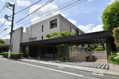 Exterior of Shoto Crest House