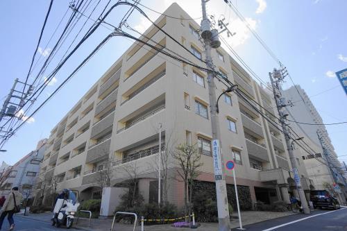 Exterior of Duo Scala Shinjuku