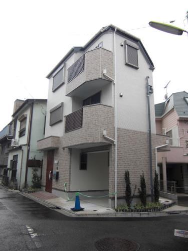 Exterior of Ikejiri 3-chome House