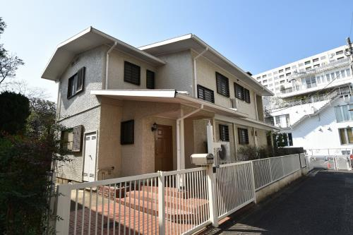 Exterior of Minami-azabu 4-chome House