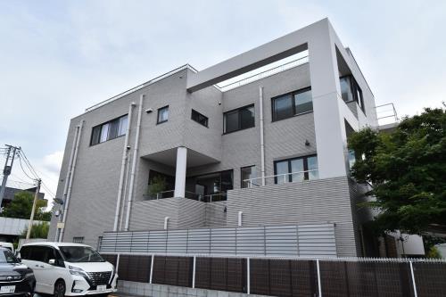 Exterior of Shoto I House