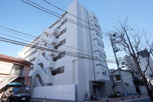 Exterior of Plaire Deuxq Shinjuku West