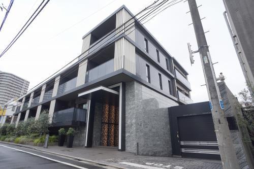 Exterior of Park Axis Premier Omotesando