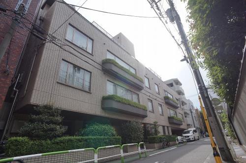 Exterior of ELITE-INN TOKYO