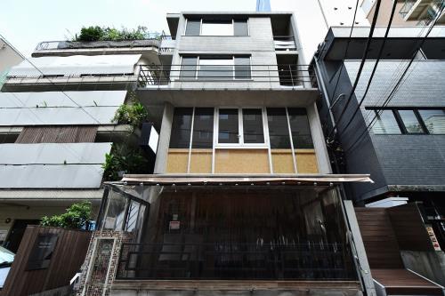 Exterior of M's Garden Nishi-shinjuku