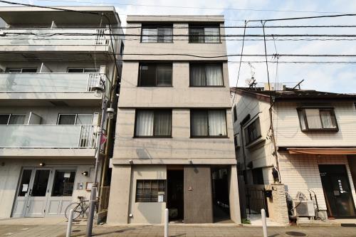 Exterior of M's Garden 尾山台