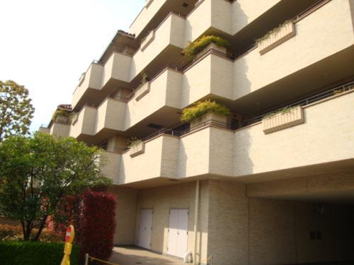 Exterior of Motoazabu Hills Forest Terrace