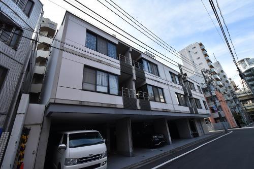 Exterior of Nouvel Court Azabu
