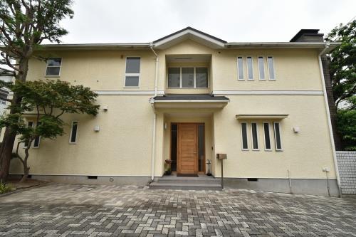 Exterior of Azabu Wistaria East