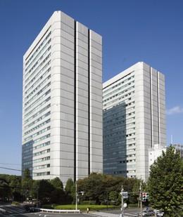Exterior of Shin-Aoyama Buiilding