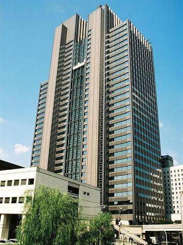 Exterior of Shinjuku MAYNDS Tower