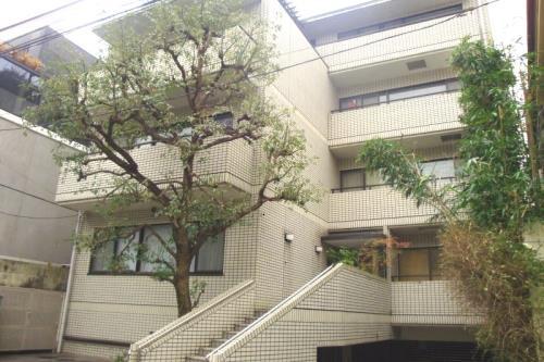 Exterior of MHH Motoazabu