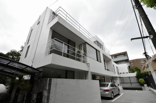 Exterior of Sadohara Terrace House