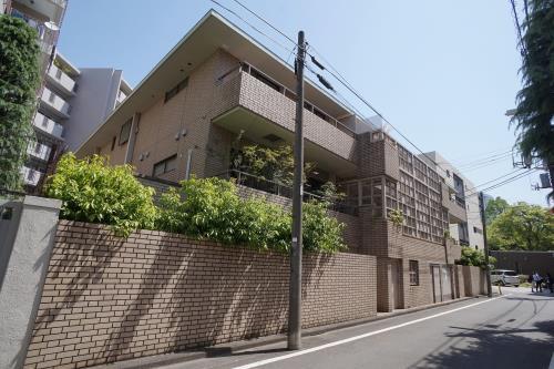 Exterior of Miyake Homes
