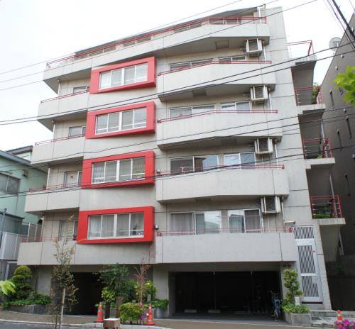 Exterior of Ouvrage Hiroo