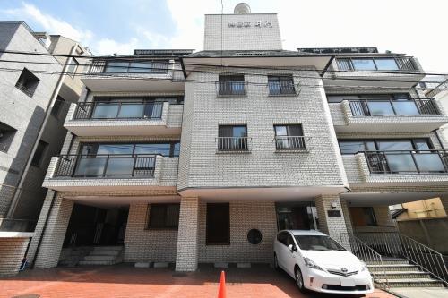 Exterior of Jingumae Imon