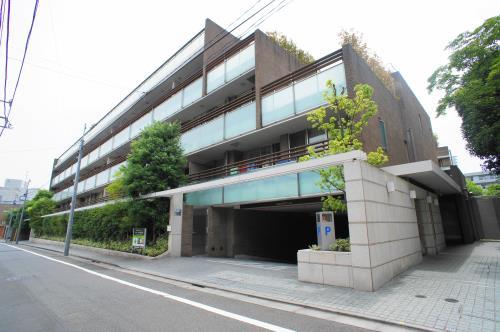 Exterior of La Tour Ichigaya-Sadohara