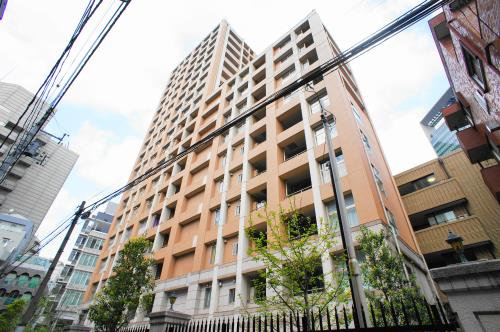 Exterior of Famile Shinjuku Grand Suite Tower