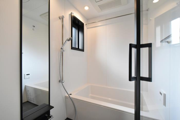 bathrooms with wood floors kdx residence ebisu apartment for rent plaza homes 17260