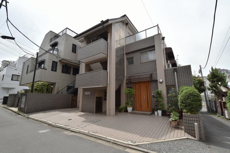 Yoshino House