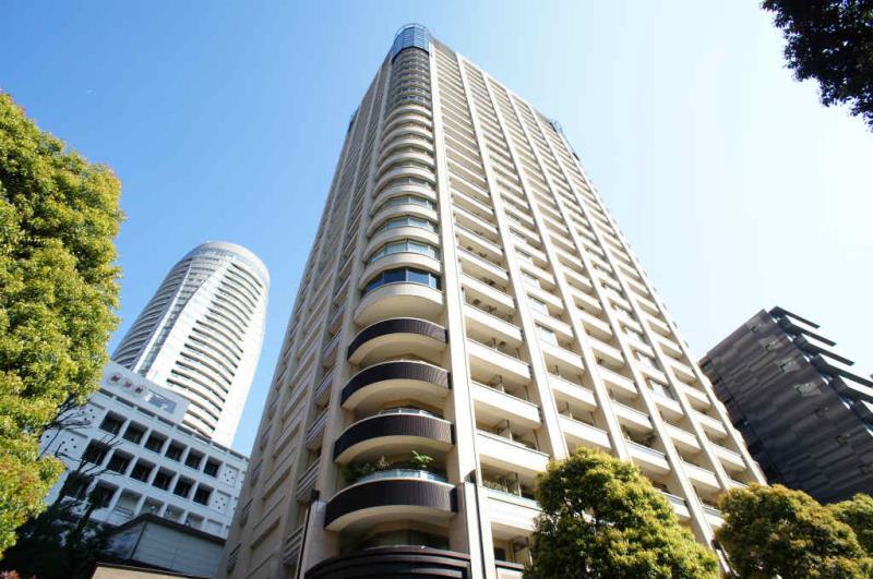 Park Court Toranomon Atago Tower