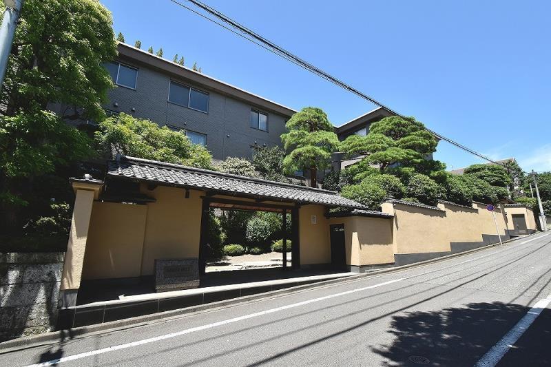 Exterior of Yoyogi-Uehara Azalea Hills 1F