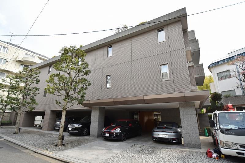 Exterior of Windsor House Motoazabu 1F