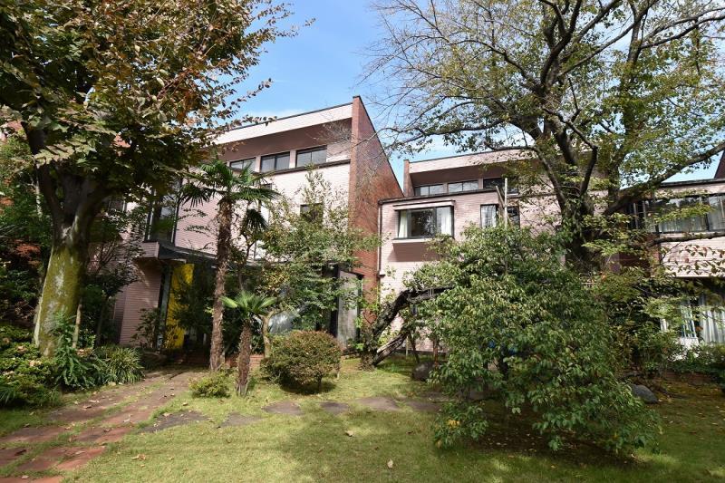 Exterior of Senzokuike Garden House