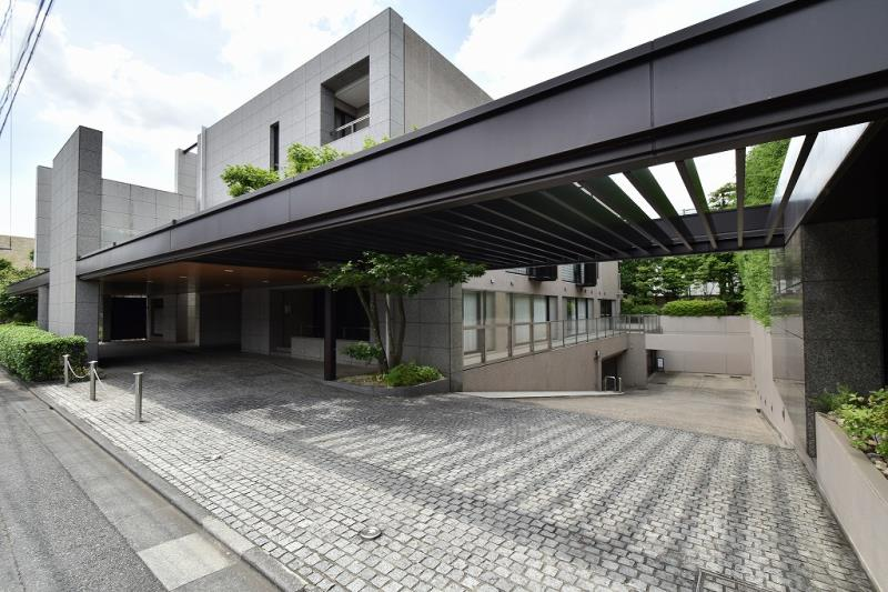 Exterior of Shoto Crest House 2F