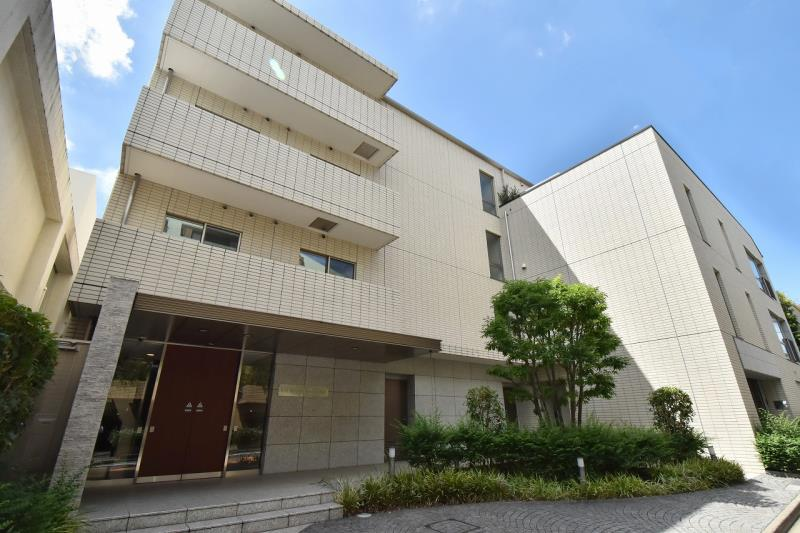 Exterior of Esty Maison Motoazabu 5F