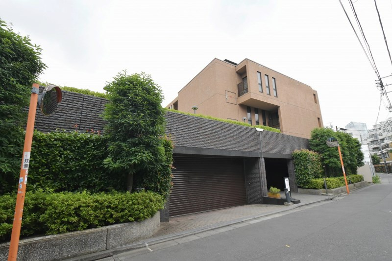 Exterior of Gredire Akasaka