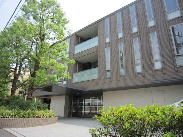 Exterior of Grand Blue Takanawa Adonis
