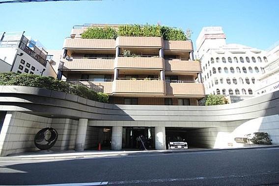 Exterior of Belte西参道