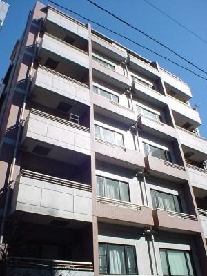 Exterior of Bivache Akasaka